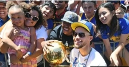 Curry the father of three with kids including Railey