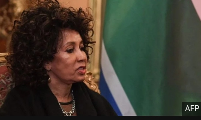 Mrs Lindiwe Sisulu, the South African international relations minister has been again criticised on Twitter by a Rwandan high official.
