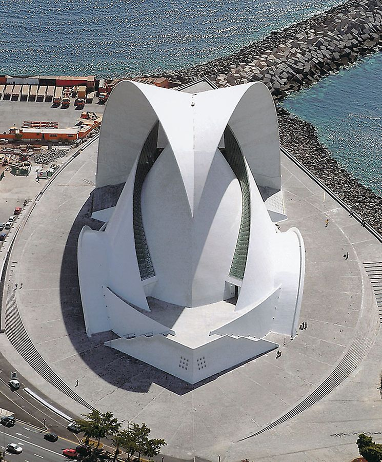 """With the design of this spectacular structure, architect Santiago Calatrava has defied the basics of conventional architecture. Three different construction elements, which he described as """"wings"""", """"nut"""" and """"sail"""", characterize the 58 m high building."""