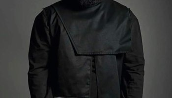 Sarkodie in an all dark outfit