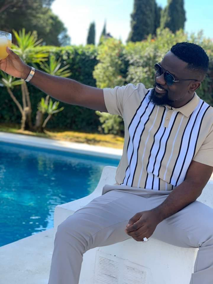 In the picture is Sarkodie sitting behind a pool. And the fact is, he's also one of the finest rappers the African continent has ever encountered.