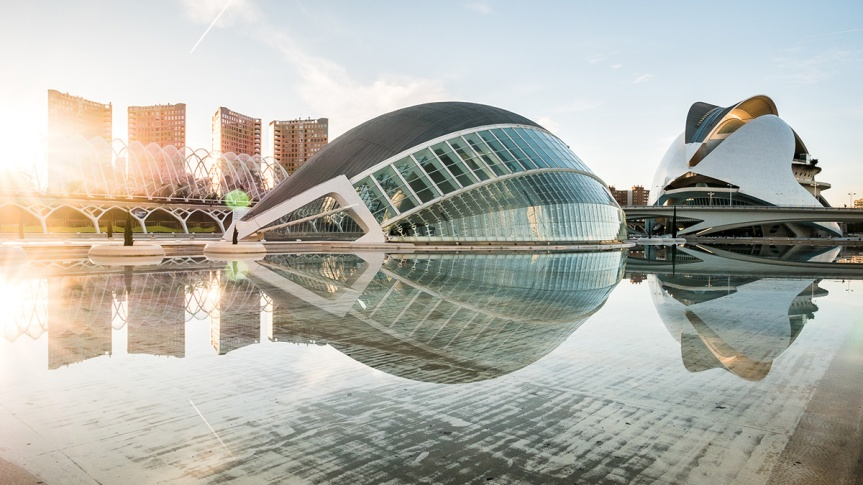 The Valencia Opera House is conceived as the final element in the City of Arts and Sciences complex, designed by Santiago Calatrava on an 86-acre site along the dry bed of the Turia River.