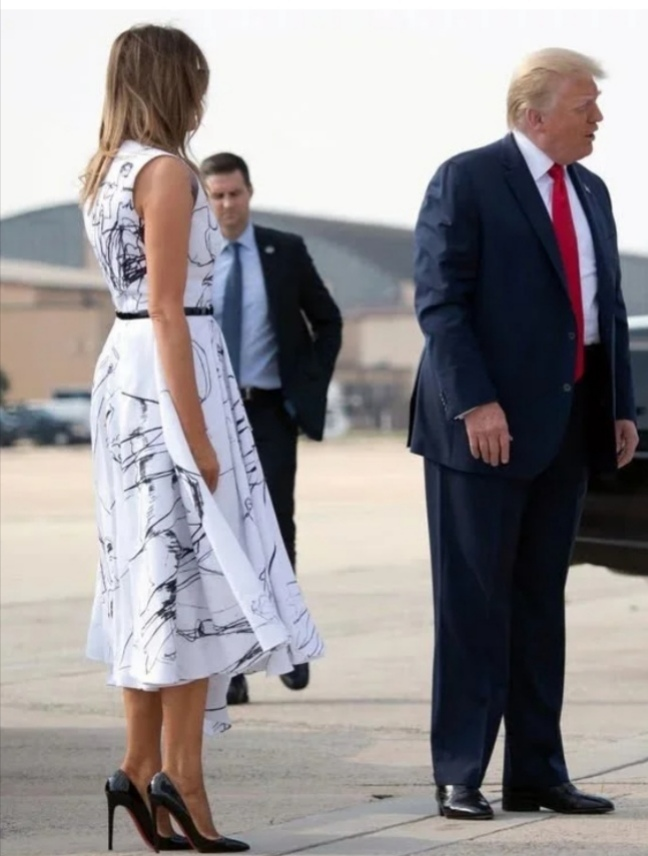 Trump S Beautiful Melania Show S A Mind Blowing Expensive Cloth Gwebcasters