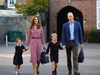 The Duke and Duchess of Cambridge escorting Prince George and Princess Charlotte to School