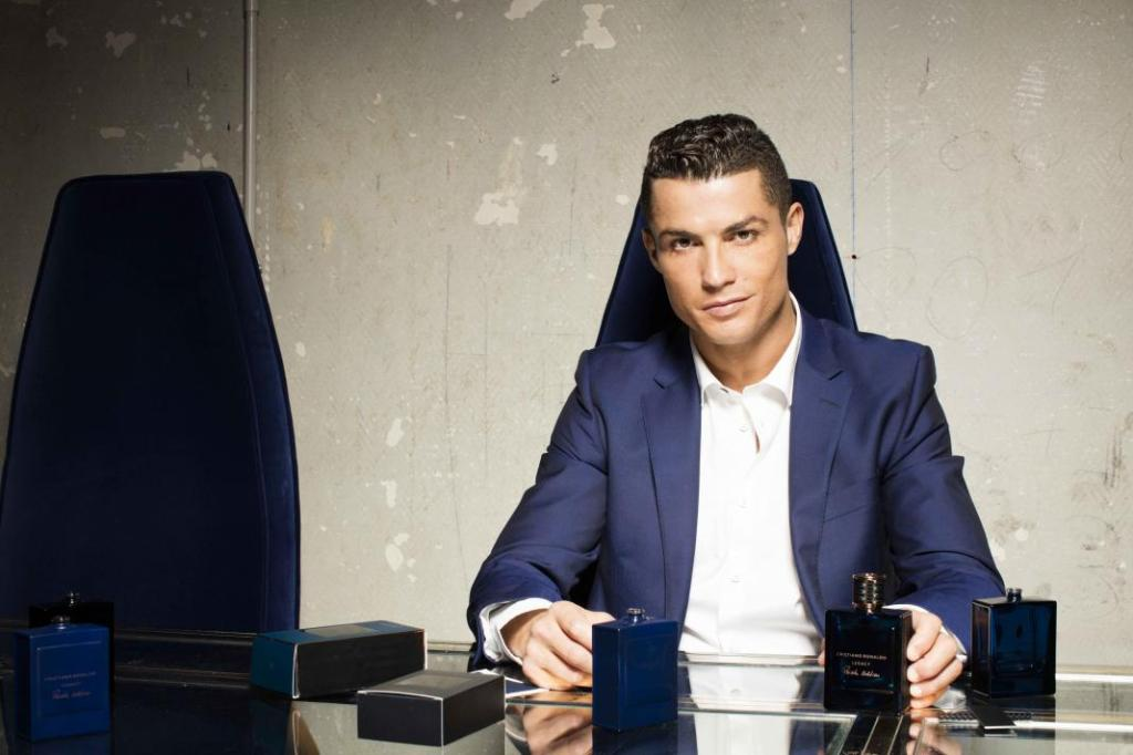 How to Dress Like Cristiano Ronaldo: Men's Style Guide to ...
